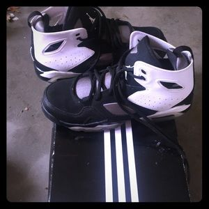 Boys youth sneakers